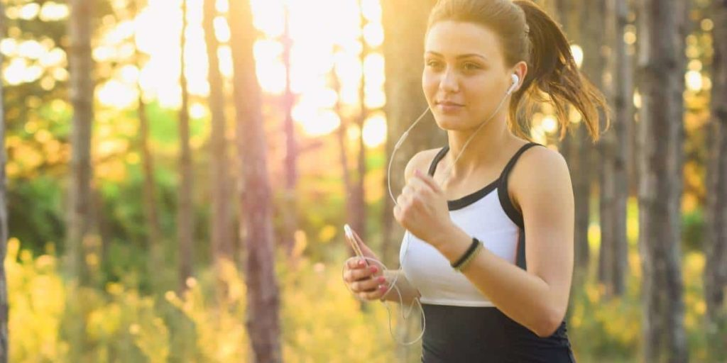 Featured image for article on taking fish oil for working out